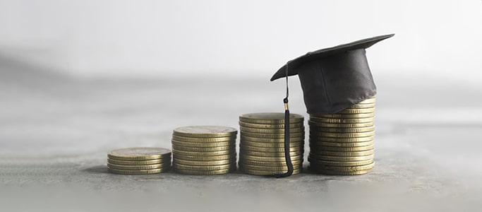 Akademisch-geprüfte-er-FinanzdienstleisterIn